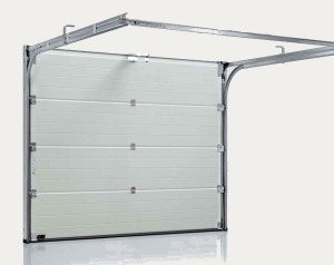 Segmentiniai-pakeliami-garažo-vartai